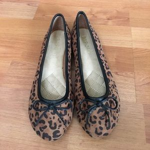 NEW Report footwear leopard print flats